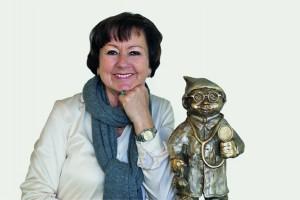 """Dr. Adelgunde Kux mit dem Heinzel """"Heinz Medicus"""""""